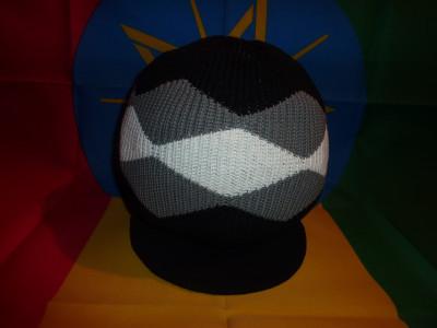 Bonnet Motif Noir-Gris-Blanc Taille M